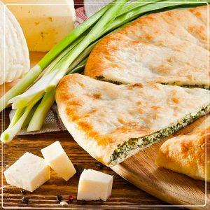 Осетинский сыр, зеленый лук